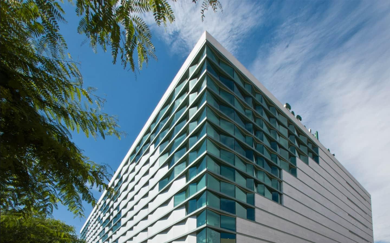 centre-comercial-tarragona-corte-ingles-arquitecto-roberto-suso-003_1553610465.jpg